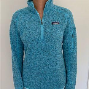 Patagonia blue pullover fleece.